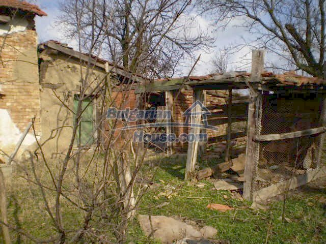 7212:8 - Property located just 5 km away from the town of Elhovo