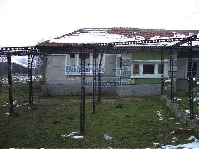 7320:1 - One storey Bulgarian property situated in region of Elhovo
