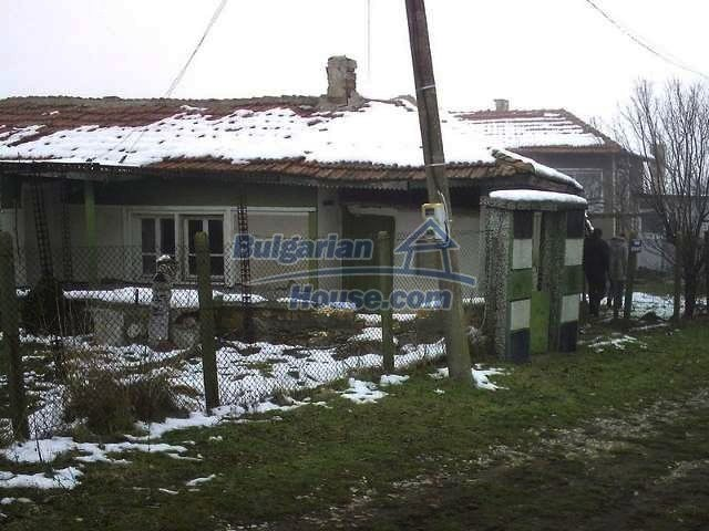 7320:4 - One storey Bulgarian property situated in region of Elhovo