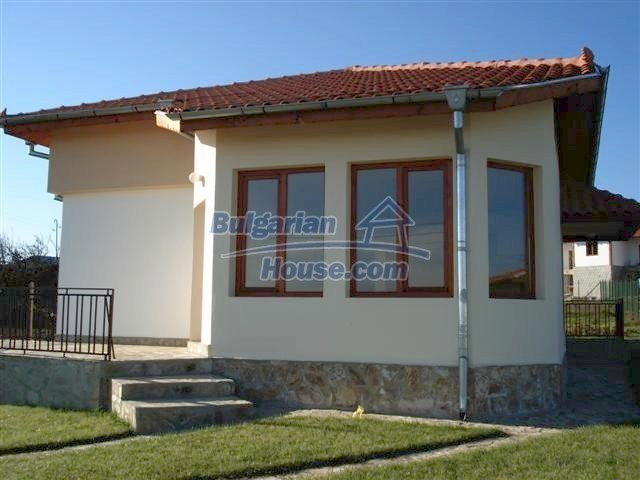7368:1 - House for sale close to the city of Varna