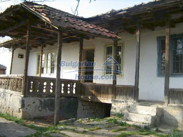 7488:1 - Cheap Bulgarian house for sale in Dobrich region