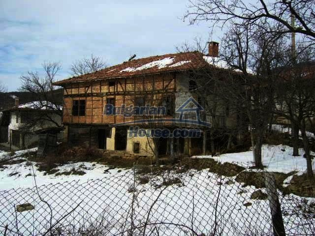 7584:1 - Bulgarian rural house near Veliko Tarnovo