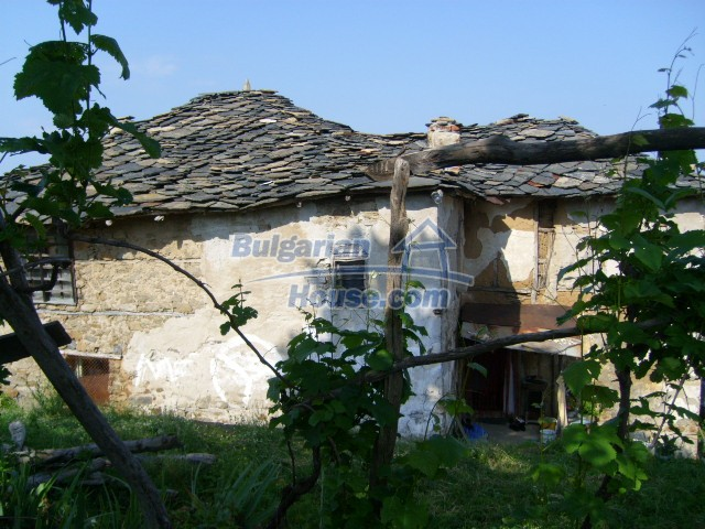 7656:3 - Bulgarian rural house close to the river of Arda Kardjali region