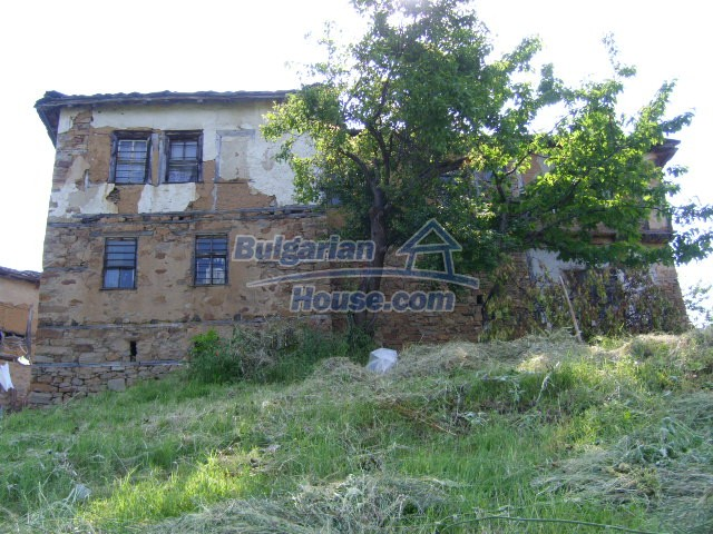 7656:5 - Bulgarian rural house close to the river of Arda Kardjali region