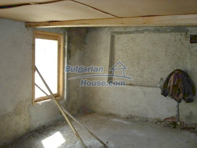 7665:11 - Appealing offer to bye bulgarian property in lovely region of El