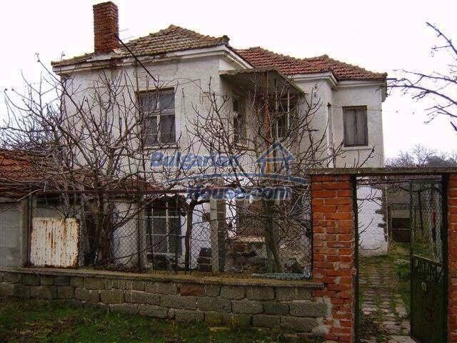 7677:2 - Two storey bulgarian property located in the outskirts of villag