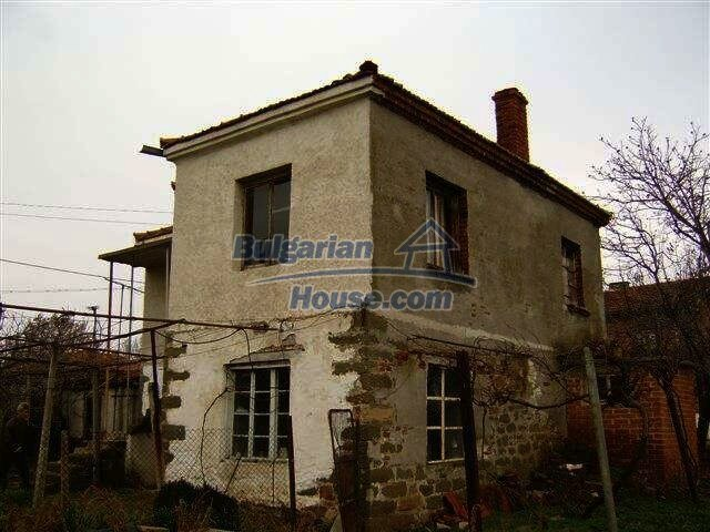 7677:3 - Two storey bulgarian property located in the outskirts of villag