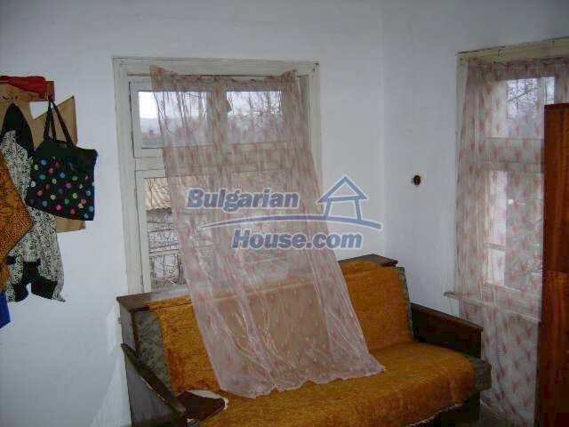 7677:8 - Two storey bulgarian property located in the outskirts of villag