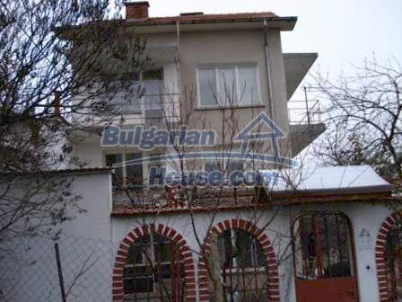 7686:1 - Comfortable three storey bulgarian house for sale  in region of