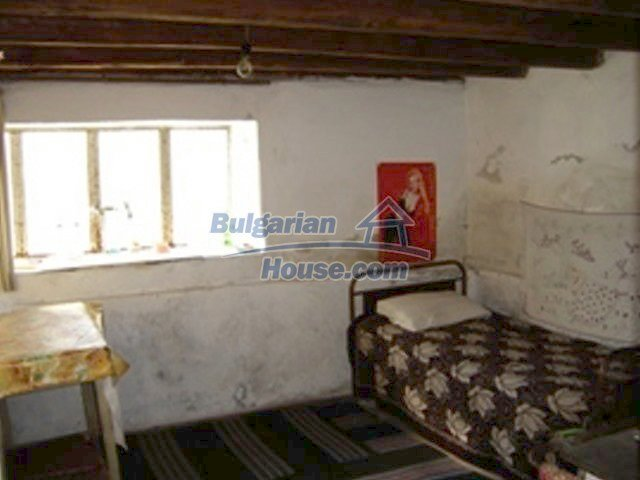 7689:3 - Rural Bulgarian house just 3km away from the town of Stara Zagor