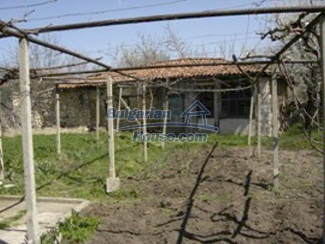 7689:9 - Rural Bulgarian house just 3km away from the town of Stara Zagor