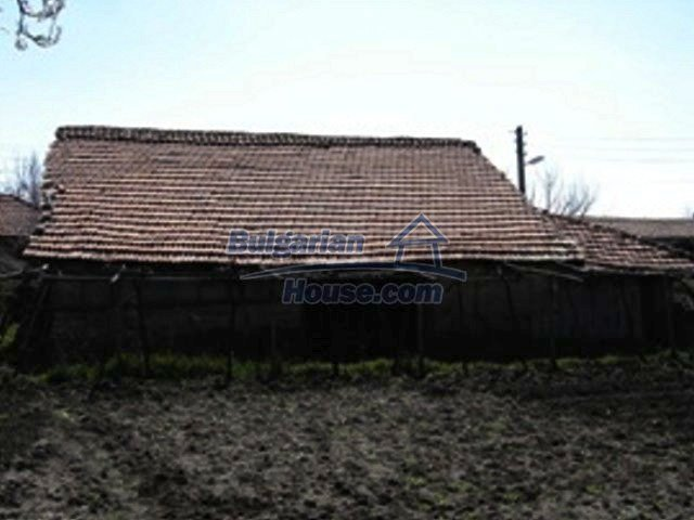 7689:10 - Rural Bulgarian house just 3km away from the town of Stara Zagor