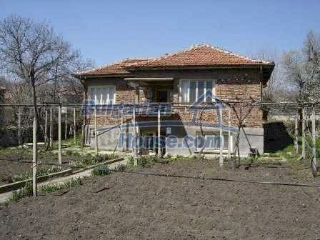 7689:12 - Rural Bulgarian house just 3km away from the town of Stara Zagor