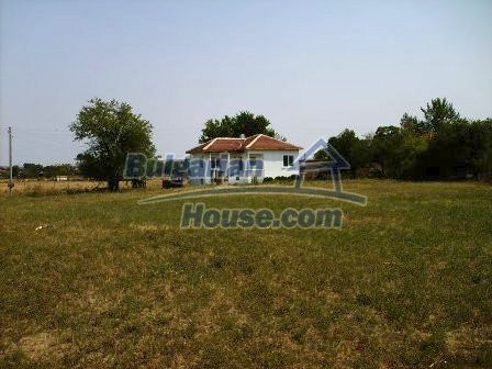 7935:2 - DISCOUNTED BARGAIN PROPERTY .Two bulgarian houses for the price