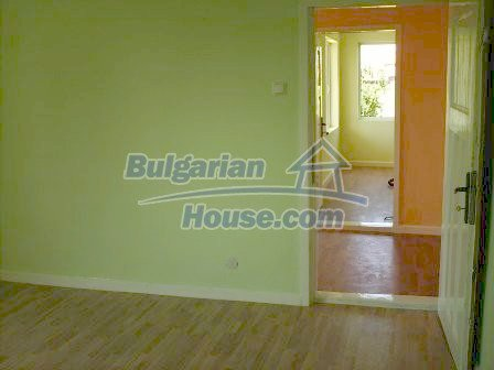 7935:15 - DISCOUNTED BARGAIN PROPERTY .Two bulgarian houses for the price