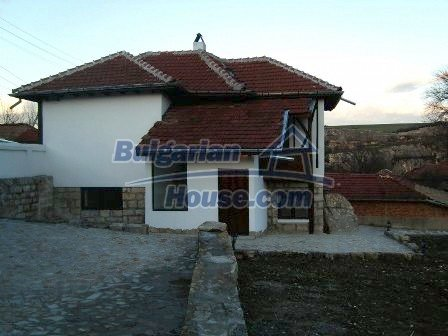 7965:1 - Two storey recently renovated bulgarian house near Ruse