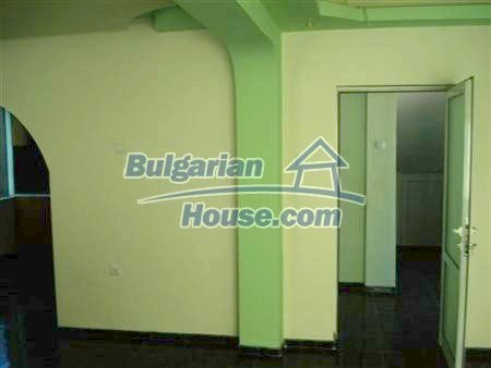 8097:11 - Gorgeous fully furnished 3 bedroom bulgarian house with garage