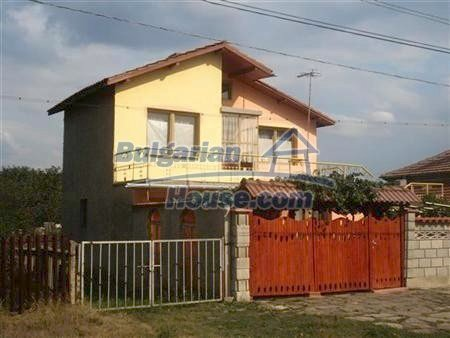 8109:1 - Lovely two storey real estate for sale near the sea