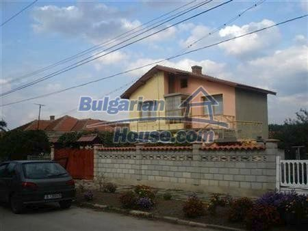 8109:4 - Lovely two storey real estate for sale near the sea
