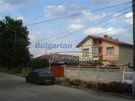 8109:5 - Lovely two storey real estate for sale near the sea