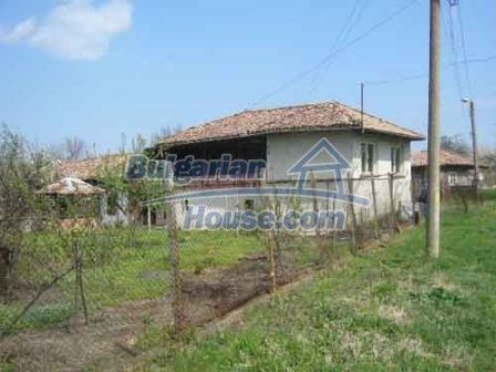 8115:1 - Rural bulgarian property in a tranquil village