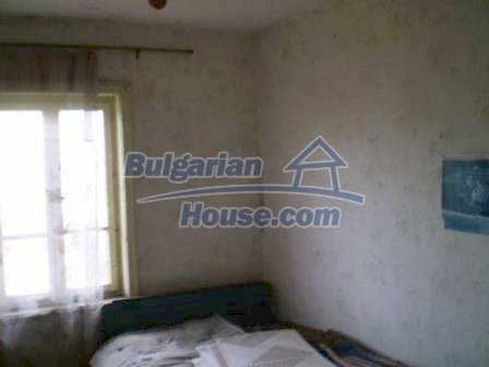 8190:12 - A decent two-storey bulgarian house for sale made of stones and