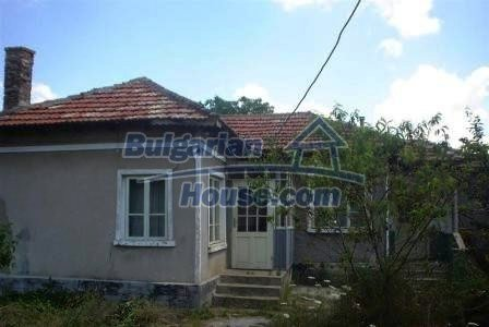 8226:1 - Good investment. House near the sea