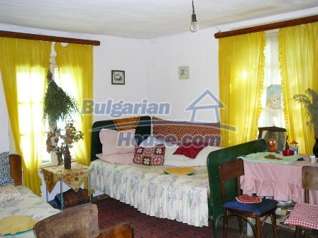 8235:7 - SOLD.Stone built up bulgarian house in beautiful mountain area w