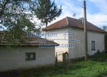 8307:1 - Cheap bulgarian house for sale with huge yard