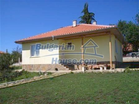 8310:1 - Three houses in one big garden.Lovely holiday homes near Obzor