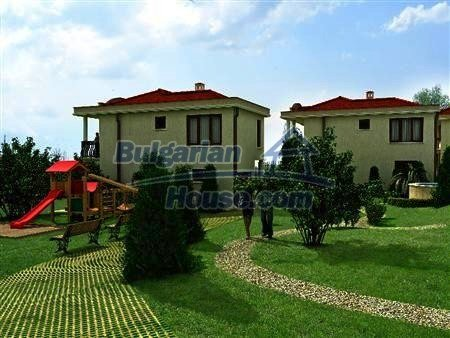 8346:3 - Holiday village- bulgarian houses for sale just 300m away from t