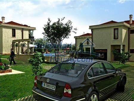 8346:5 - Holiday village- bulgarian houses for sale just 300m away from t
