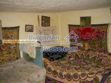 8370:4 - Priced to go. Very cheap bulgarian house for sale