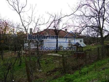 8454:5 - House for sale in the region of Elhovo with huge yard