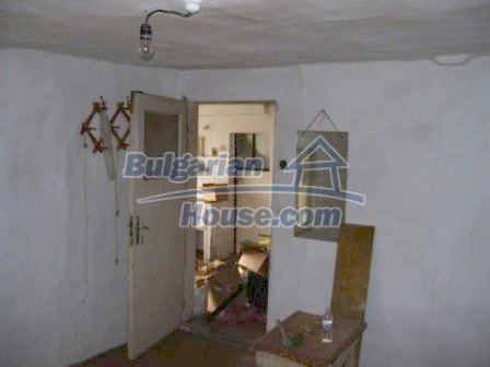 8454:10 - House for sale in the region of Elhovo with huge yard