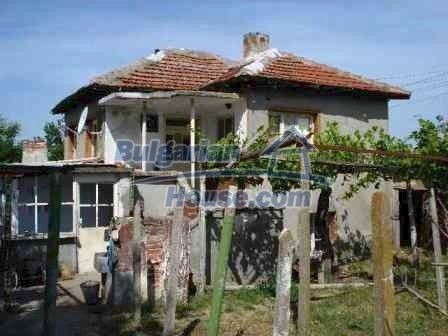 8472:3 - Rural bulgarian house in good condition for sale