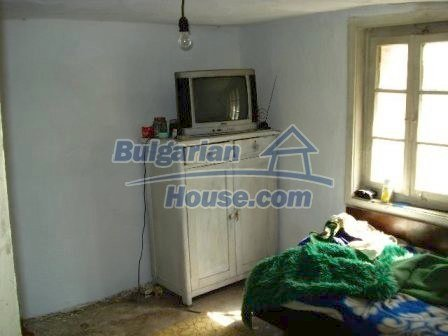 8472:10 - Rural bulgarian house in good condition for sale