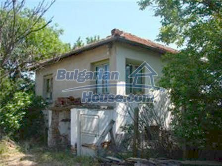 8475:2 - Rural country bulgarian house
