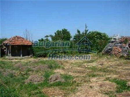 8475:7 - Rural country bulgarian house