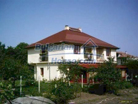 8523:1 - Semi detached bulgarian house for sale