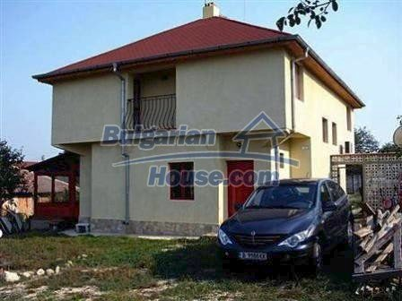 8523:2 - Semi detached bulgarian house for sale