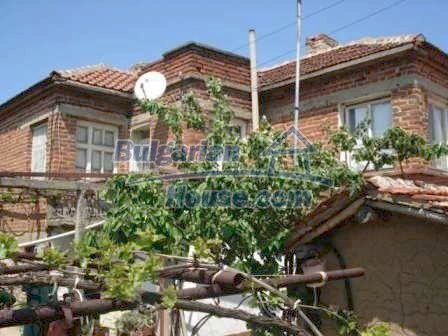 8550:1 - Rural bulgarian house in good condition for sale