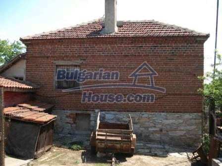 8550:2 - Rural bulgarian house in good condition for sale