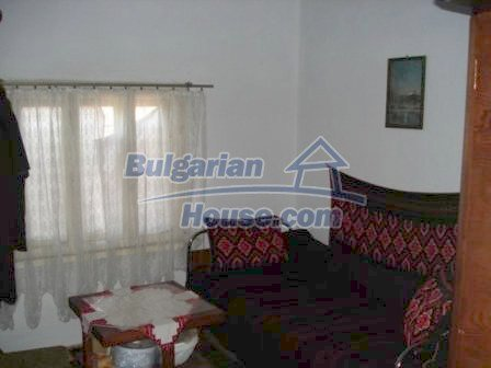 8550:6 - Rural bulgarian house in good condition for sale