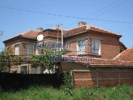 8550:9 - Rural bulgarian house in good condition for sale