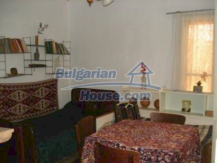 8550:14 - Rural bulgarian house in good condition for sale