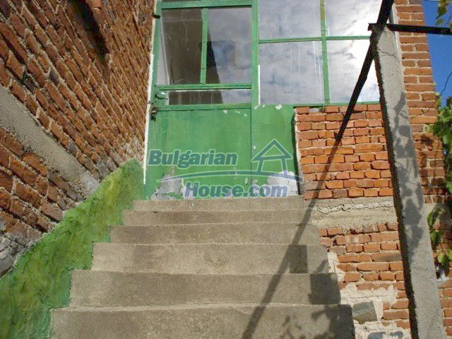 8556:10 - Bulgarian house for sale near Elhovo