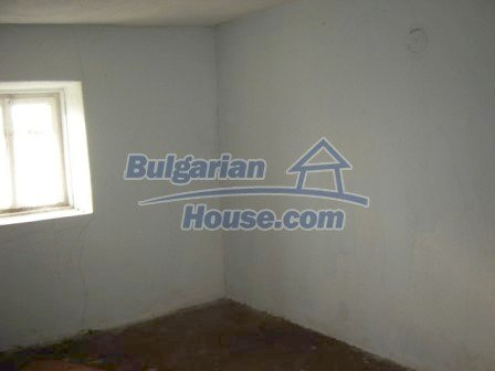 8586:5 - Small and cheap bulgarian house in a charming village near Nova