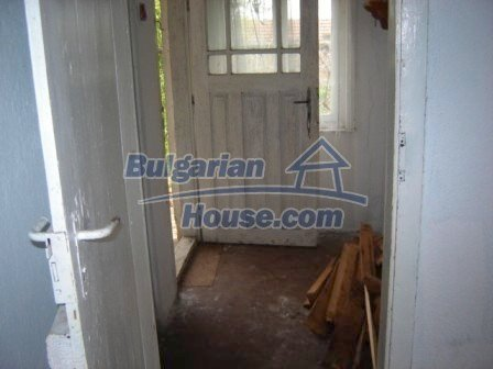 8586:6 - Small and cheap bulgarian house in a charming village near Nova