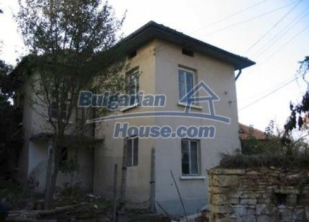 8595:1 - Two storey bulgarian house for sale